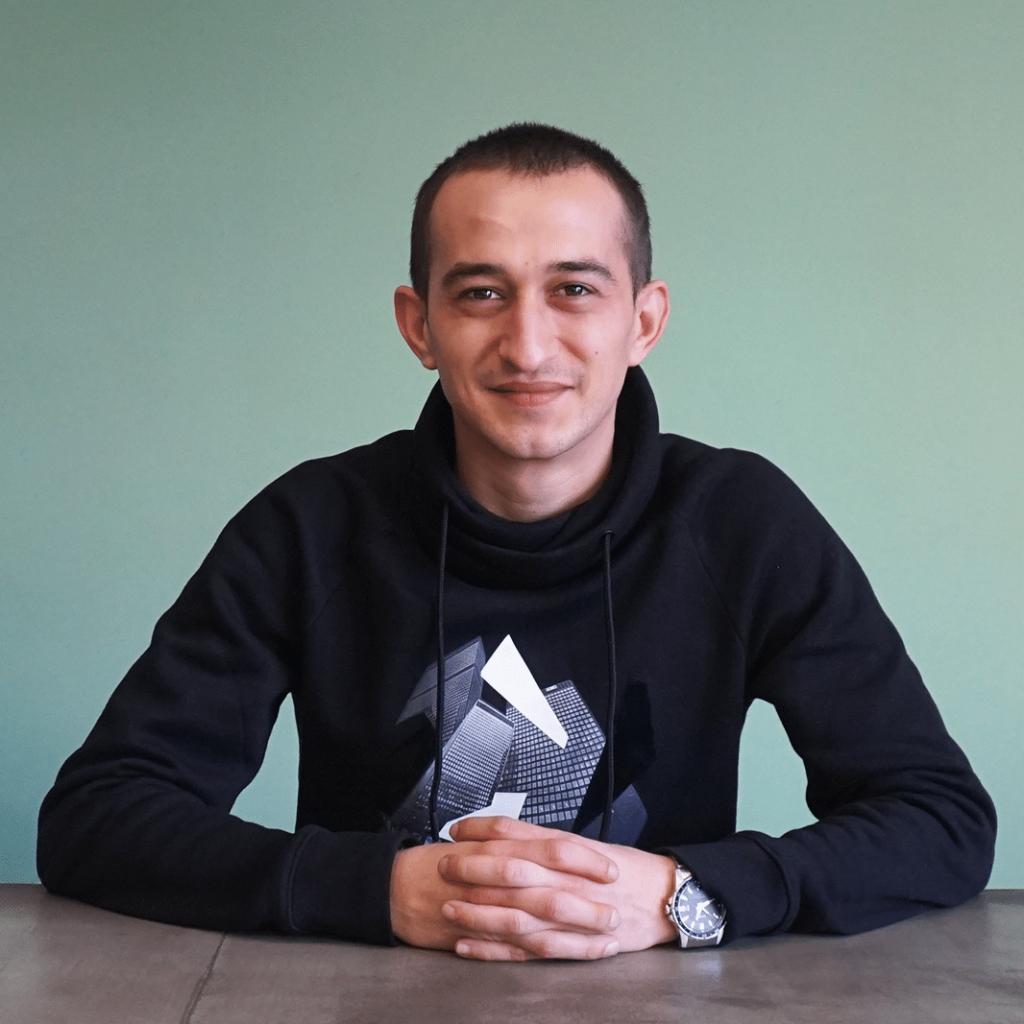 Service Desk Support Engineer at Singular